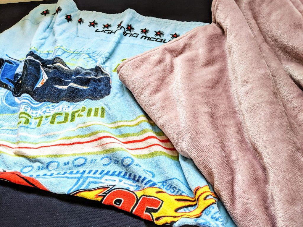 カーズの毛布